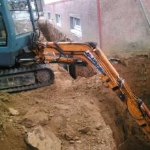 Obkopanie budovy, drenáž Vozokany